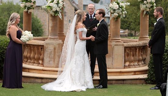Romantic-Gaillardia-Outdoor-Wedding